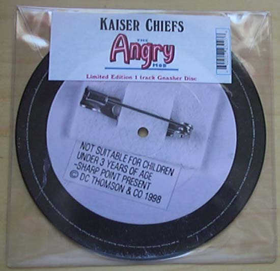 KAISER CHIEFS - ANGRY MOB