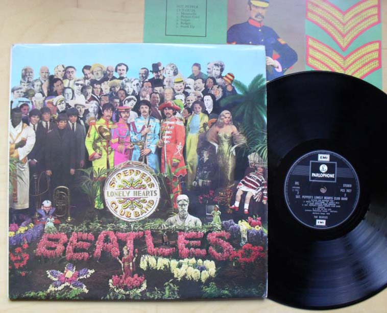 BEATLES - Sgt Peppers Lonely Hearts Club Band Record