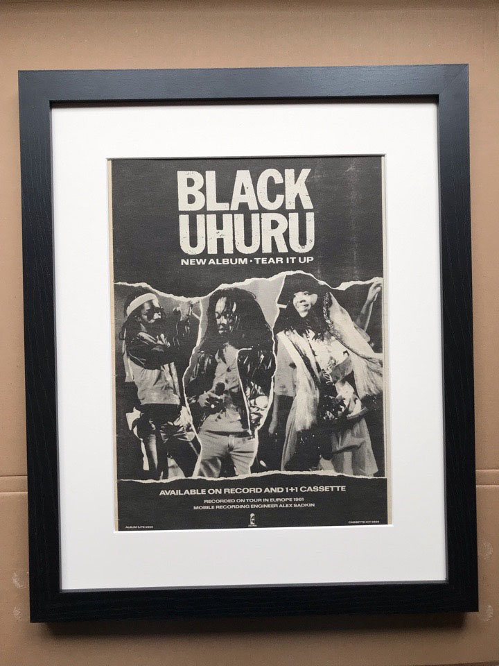 BLACK UHURU - TEAR IT UP (FRAMED) - Poster / Affiche