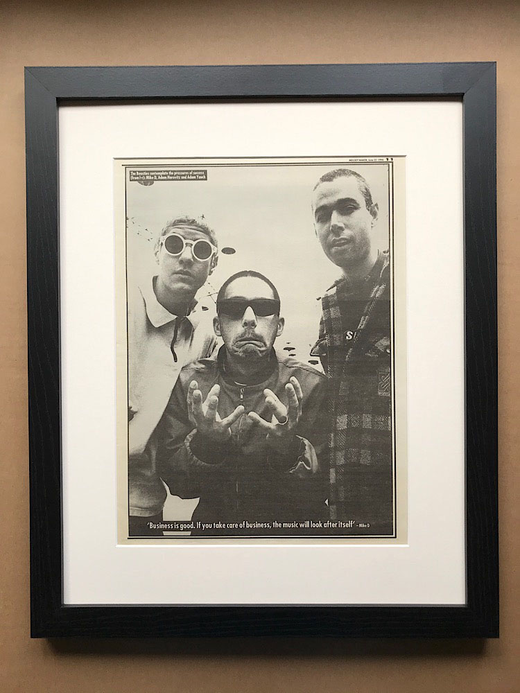 BEASTIE BOYS - BLACK AND WHITE PIN-UP (FRAMED) - Poster / Affiche