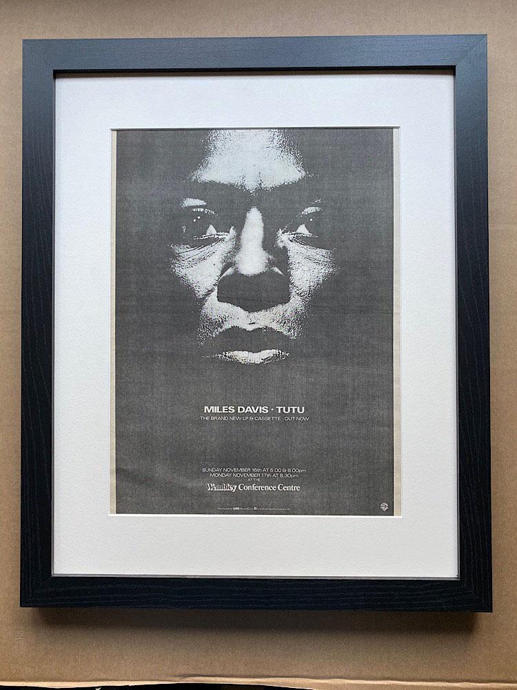 MILES DAVIS - TUTU (FRAMED) - Poster / Affiche