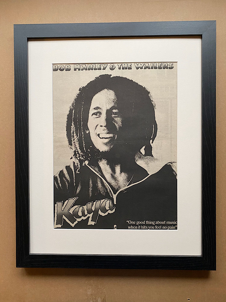 BOB MARLEY - KAYA (B)(FRAMED) - Poster / Affiche
