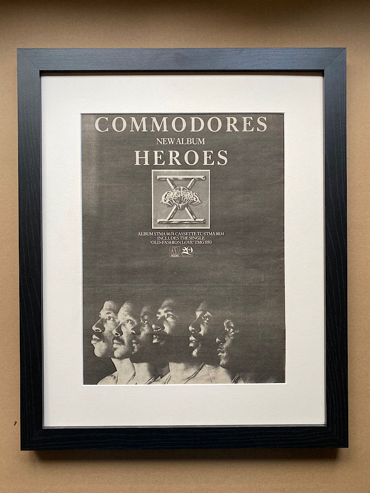 COMMODORES - HEROES (FRAMED) - Poster / Display